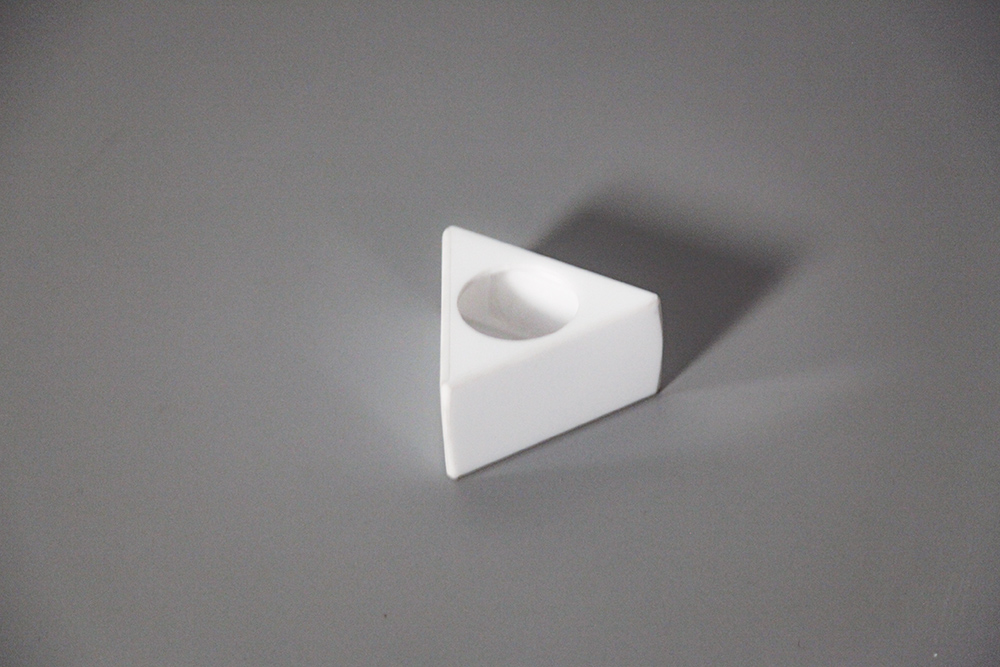 Canopla para microfone triangular
