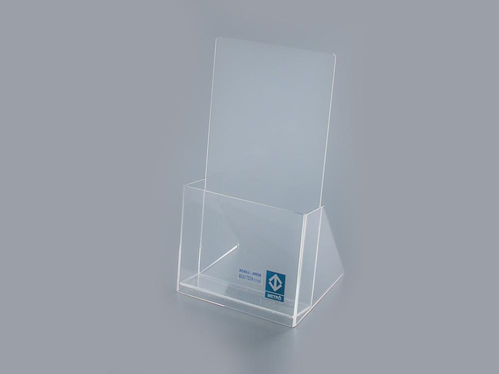 Porta- folhetos (take one)